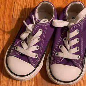 Converse purple low top 4c
